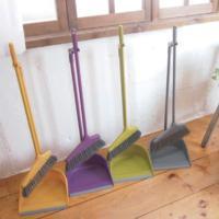 スモーキーカラーが新しい!  掃除道具は地味なカラーが多く、デザイン的にもあまり見せたくないもの・・...