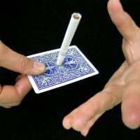 カードの上で独りでにタバコが起き上がる!どこでも手軽に見せられる簡単サイキック現象です。【検索】パー...