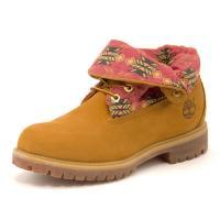 6インチブーツと人気を二分する、Timberlandの名作「ROLL TOP」。履き口部分を伸ばして...