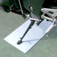 バイクリフターがより使いやすくなるメタルプレート。 スタンドの下敷きなどにもご利用ください。  サイ...