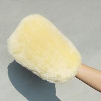 車やバイクなどの洗車に最適な高級ムートン素材のグローブ型クロスです。 毛がやわらかい天然羊毛100%...