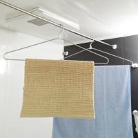 バスタオルも干せる大判サイズなのに、場所いらず♪  スタイリッシュでシンプルなデザインのアルミ製ハン...