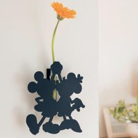 少しのスペースで花が飾れる  付属のマグネット、フック、両面テープを使って、お好きな壁に取り付けられ...