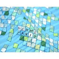 (アパレル)HERMES エルメス プリーツスカーフ カレ シルク100% MOSAIQUE AU 24 モザイク24 ライトブルー系マルチカラー(k)