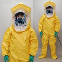 特長    * JIS T8115の密閉型防護服に相当します。    * 高圧水洗浄機等を使用する汚...