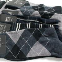 針数の多い靴下編み機で製造しているので、針糸が多い分、細番手の糸を使用し、なめらかな履き心地と上品な...