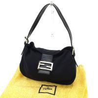 ■管理番号:C2056  【商品説明】 フェンディの 「FFプレート付き」 ショルダーバッグです。 ...