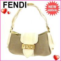 ■管理番号:H244  【商品説明】 フェンディの 「ロゴプレート&スタッズ付き」 ハンドバッグです...