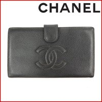 ■管理番号:X12437 【商品説明】 シャネル【CHANEL】の  二つ折り財布です。 ◆ランク ...
