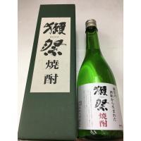 獺祭(だっさい) 粕取り 米焼酎 720ml  商品説明 純米大吟醸の酒粕から生まれた米焼酎。 清酒...
