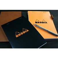 ●仕様 ・サイズ:14.8×21cm(A5) ・ページ数:160ページ ・用紙:5mm方眼/横罫 ・...