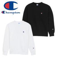 チャンピオンの定番スウェットシャツ ワンポイントロゴのみのシンプルな無地デザインでどんなコーディネー...