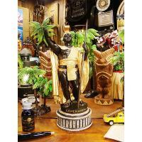 この人のおかげでボクらの愛するハワイができたんです! キング・カメハメハのフィギュアです。  生まれ...