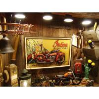 元祖アメリカンバイク、インディアンモーターサイクルの木製看板です。  今や幻となった伝説のメーカーが...