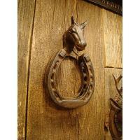 欧米では昔からラッキーアイテムとして人気を呼ぶホースシューズ、馬の蹄鉄が、ドアノックになりました。ホ...