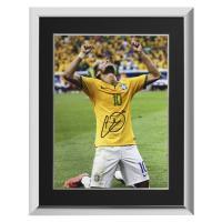 ネイマール 直筆サインフォト 額入り ブラジル代表 ワールドカップ セレブレーション Signed Brazil Photo World Cup Celebration / Neymar|cardfanatic
