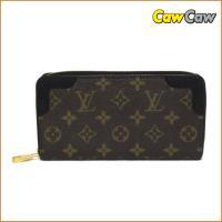 若干の金具薄傷、角擦れ以外、使用感の感じられない良い状態のお財布です。−クレジットカード用ポケットx...