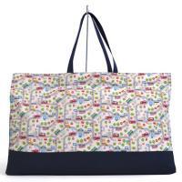 お昼寝ふとん袋は大きめバッグで敷き布団に掛け布団、まくらなどなどをすっきり収納。通園時の必需品、レッ...