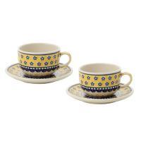 紅茶を飲むのに適した形のカップ&ソーサーのペアセット。紅茶は高温で抽出するとおいしく作れるため、カッ...