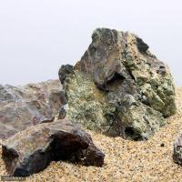 形状お任せ 風山石 サイズミックス(約5~15cm) 3kg 関東当日便