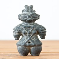 本物の土偶を忠実に再現縄文時代の工人が行ったであろう工程をたどりゆっくりと自然乾燥させた上で窯に入れ...