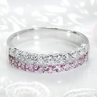 PT900枠にHカラー、SIクラス天然ダイヤモンドとピンクサファイヤを各11石セッティング。  憧れ...