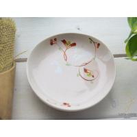 赤絵のうさぎが可愛らしい小皿は、温かみのある手触りとほど良い厚みで、手にしっくりなじみます。 趣深い...