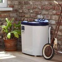 設置場所を選ばない、コンパクトな洗濯機です。 二層式洗濯機でしっかり、洗浄・脱水ができます。 毛だら...