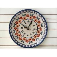 赤とオレンジのスミレのお花とホワイトクロスでお馴染みの アリス17番のお洒落な陶器製壁掛け時計です。...