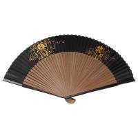 扇子のもとになる和紙に手作業(手引き)で黒に染めたのち、金箔で迫力ある風神雷神を表現しています。  ...