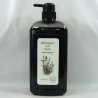 カモミールエキス配合、、 天然ハーブの保湿成分が髪と頭皮に作用、すっきりと洗い上げます。ふんわりタイ...