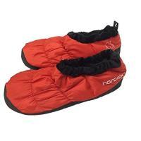 寒い時期のキャンプやテント泊で足を寒さから守るダウンスリッパです。収納ケース付きで持ち運びも便利です...