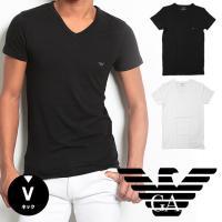 胸元のイーグルマークがさりげなくデザインされたEMPORIO ARMANI (エンポリオアルマーニ)...