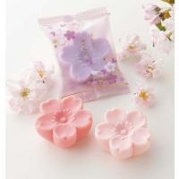 はんなりさくら(石鹸)   和菓子のような愛らしいさくら型の石鹸です。 かわいいイラスト入りパッケー...