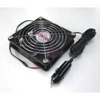 ・12Vdc自動車のシガーソケットに取り付けてご使用できます。  寸法:120x120x25mm(フ...