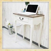 ●フレンチ&アンティークの可愛い家具● 長年使い込まれたような風合いが魅力のアンティーク調デスクです...