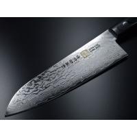 この包丁は日本刀のように異なった素材で形成され、この包丁は33層のダマスカス模様がメイプルのようで大...