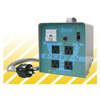 電源を接続してブレーカを「入」にすれば、コンセントに100V/115Vが出力されるので簡単操作可能。...