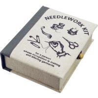 ●ハサミや針、糸がセットになった便利なソーイングセット ●ハサミ、針、糸、糸通し、安全ピン、ボタン、...