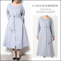 上品な光沢感のダブルサテンを使用したガウンコート。 DRESSスタイルに最適なOUTERです。デコル...