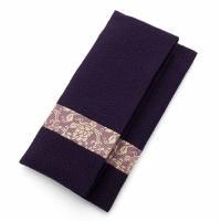絹製の高級念珠袋です。  【商品の仕様】 ●サイズ: 本体 : H93 × W175 × D10mm...