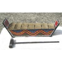 おもちゃのようなガムランの鉄琴です。 小さいながら、鉄製の鍵盤は、ちゃんとガムラン音階になっていて、...
