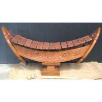 タイの小さな木琴「ラナート」です。 木製の船型の土台に13の鍵盤が並んでいます。 コンパクトなサイズ...