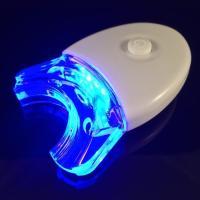 歯のホワイトニング効果をより高めるために作られたLEDライトです。マウストレイが本体についていますの...
