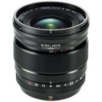 ■35mm判換算で24mm相当の広角レンズ■最短撮影距離15cm、「寄って撮る」ことで広角レンズの遠...