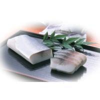 〆蒲(しめかま)とは秘伝の追酢でしめた新鮮な真鯖とすり身を合わせた珍しい蒲鉾です。 原料の魚の質が良...