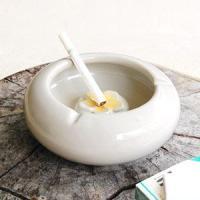 アジアン雑貨  職人が丁寧に一つ一つ作り上げたハンドメイドの温もりも感じる陶器製のアジアン灰皿。陶器...