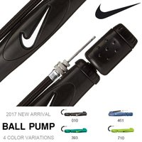NIKE (ナイキ) ボールポンプ になります。  軽量・小型の携帯空気入れ。 延長ホースと1本の針...