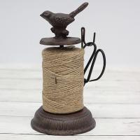 鉄鋳物製のアンティーク風麻紐ホルダー。麻紐と小さな吊り下げハサミ付きです。ガーデンアクセサリーとして...
