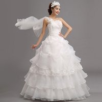 一生に一度の日に素敵な思い出を♪ウェディングドレス!  当ストアでいろいろなドレスがあり、結婚式ドレ...